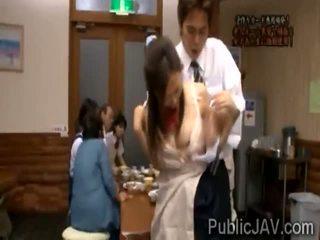 Classmate fucks स्वीट jap स्कूलगर्ल में सामने की उसकी परिवार