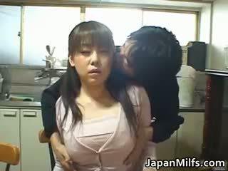 Kimainen japanilainen milfs imevien ja helvetin part1