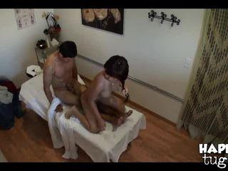 brunete, eļļa, masāžas telpa
