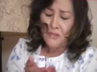 Japanesebbw dewasa ibu dan tidak dia putra