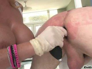 Sophie dee drill 該 屁股 的 lewd guy 由 她的 假陽具
