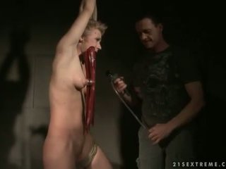 Chicky clarissa getting bondaged 과 처벌