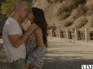 VIXEN Latina Veronica Rodriguez Seduced By Stepdad <span class=duration>- 12 min</span>