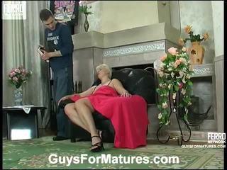 Hot guys til modnes video starring leonora, adrian, mike