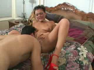 Short hair mature woman fucking