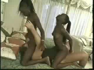 Africa kaksikud perses koos 1 men