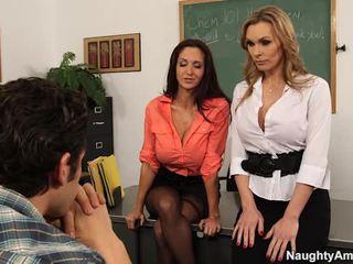 Mare titted teachers seduce lor learner în sexy 3 unele