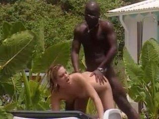 Hvit kone fucks med fransk svart i jamaica