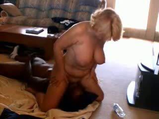 뿔의 성숙한 아내 adoring 검정 dicks, 포르노를 33