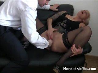 殘酷 fist 他媽的 squirting orgasms