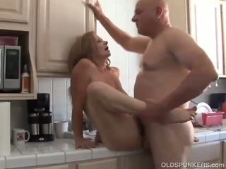 cougar, old, matures