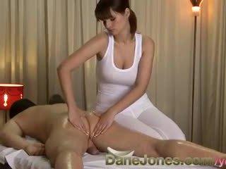 brunetă, sex oral, sanii mari