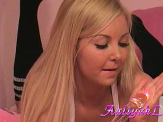 Aaliyah love lusty babeh play her dildo on daybed