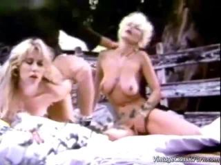 retro dâm, vintage sex, quan hệ tình dục retro