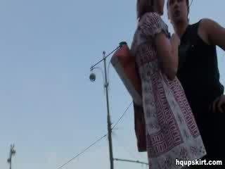 Ματιά στο hq κάτω από την φούστα μουνί κλιπ