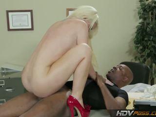 blondinke, velike joške, cuckold