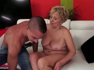 Грудаста пухка grandmas секс збірка