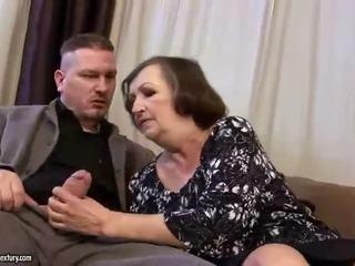 Грозен дебели бабичка gets прецака трудно