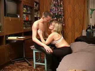 Russian diwasa mom with schoolboy