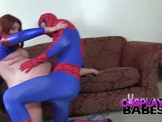 Cosplay babes spiderman likes iso koekäytössä