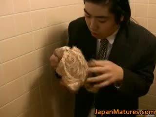 Japanska kvinna är kinky och äldre part1