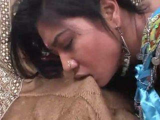 India slut rides a jago jero in her upslika cunt