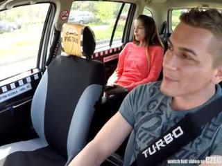 Cutest remaja gets yang percuma taxi perjalanan <span class=duration>- 14 min</span>