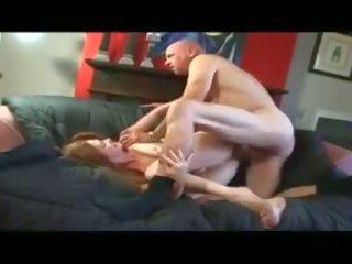 Cockhungry 成熟した sucks fucks と takes a クリームパイ: ポルノの e8
