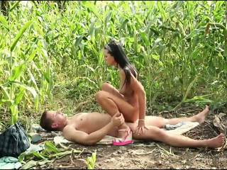 Darkhaired Hottie Gets Fucked On A Corn Field