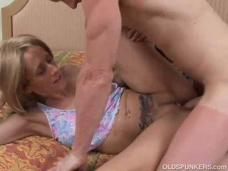Sexy mature babe Charlotte enjoys an a...