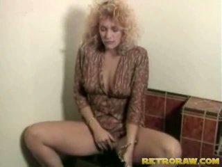 Lesbos în the washroom