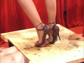 Stimulim me këpucë stimulim me këmbë