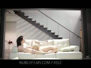 Aiden ashley - nubile filma - lesbietiškas lovers dalintis saldus putė juices
