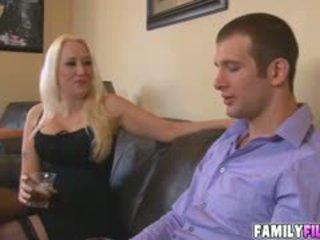 बड़े स्तन, blowjob