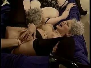 Un nous les mamies: gratis nonnina porno video ad