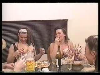 Мръсен шведски ретро 90's foodsex