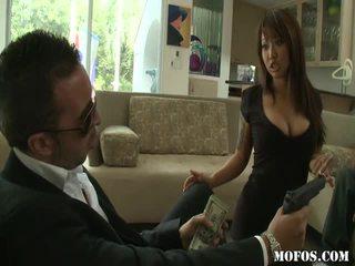 Asiatique porno female tastes la chose