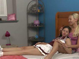 Shyla jennings en aaliyah liefde bij cheer camp