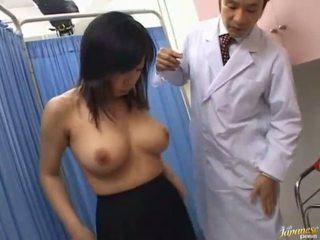 الآسيوية وقحة sucks rod