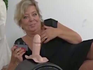 Malaking suso ginintuan ang buhok gilf sybian saya, Libre malaking suso gilf pornograpya video aa