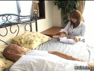 ไม่แข็ง หี kaede ohshiro gives astonishing