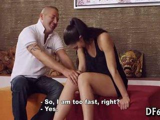 10-pounder pleased nga një virgin