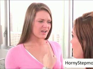 Abby çapraz ve diamond foxx pounded ve sharing emzikli