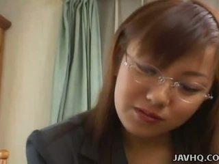 Gros seins japonais nana baisée à maison uncensored