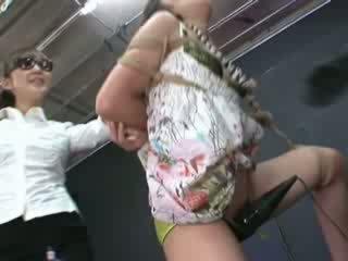 Ayumi gets fastbundet og tortured