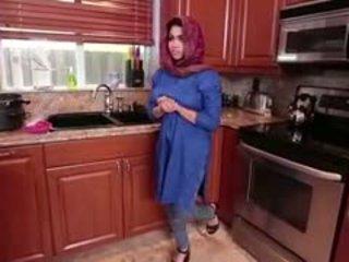 Arab ブルネット ティーン ada gets filled