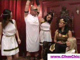 Wanita berbusana pria telanjang yunani queens menyentak guy
