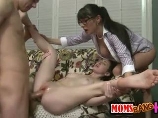 nhóm quan hệ tình dục, vòi nước lớn thực, có ba người hơn