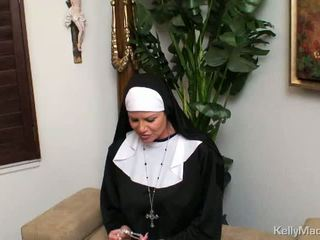 velike joške, nun, milf