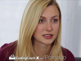 Casting couch-x blondynka cheerleaderka shows od na kamera
